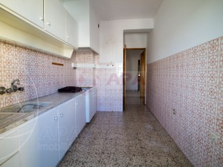 2 Bedrooms Apartment Faro (Sé e São Pedro) - For sale