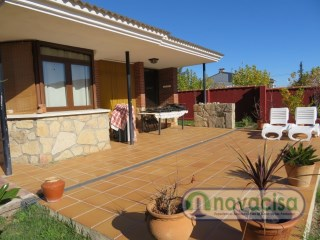 Chalet independent with pool in Pelayos of the dam | 4 Bedrooms | 2WC