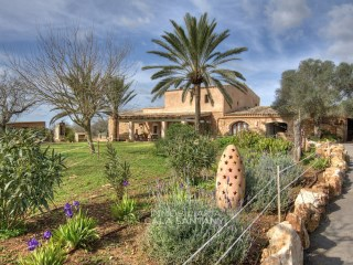 Charming old country house in characteristic Majorcan style | 3 Bedrooms | 2WC