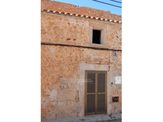 Partially renovated townhouse in Santanyí | 5 Pièces