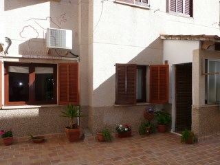 Ground floor apartment with easy access and parking in quiet area of Santanyí. | 4 Bedrooms | 2WC