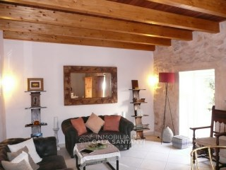 Tastefully furnished rustic town house in Ses Salines. |