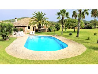 Beautiful cottage with tennis and swimming pool.  | 4 Bedrooms | 4WC