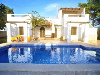 Beautiful Villa with garden and pool in Porto Petro. | 6 Pièces | 2WC