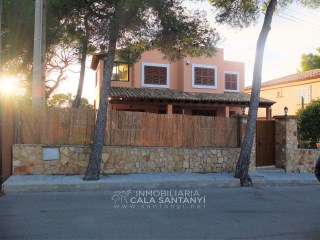 Beautiful villa with garden and large fully fenced terrassa near S'Amarador. | 2 Bedrooms | 2WC