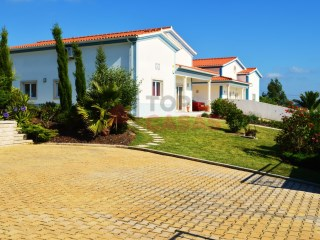Semi-Detached House 5 Bedrooms