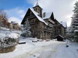 Apartment 5 Bedrooms › Baqueira