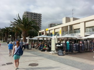 Sold  commercial premises in 1st line Beach, Los Cristianos, Arona. |