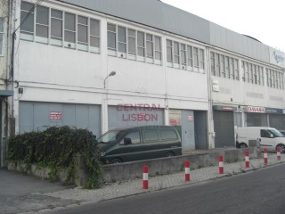 Warehouse with excellent location next to the Airport Humberto Delgado (Lisbon) |