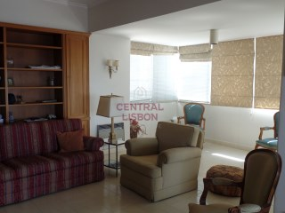 Apartment overlooking the Tejo-apartments | 4 Bedrooms | 3WC