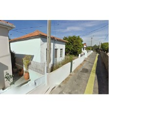 For sale 2 bedroom House with 4 fronts in São Félix da Marinha | 3 Pièces | 1WC