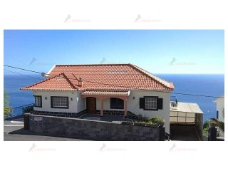 Detached House › Calheta (Madeira) | 4 Bedrooms | 3WC