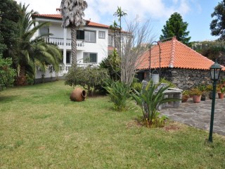 Country Home › Calheta (Madeira) | 3 Bedrooms + 2 Interior Bedrooms