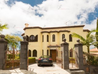 Detached House › Funchal | 5 Bedrooms | 6WC