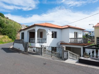 Detached House › Calheta (Madeira) | 3 Bedrooms | 2WC