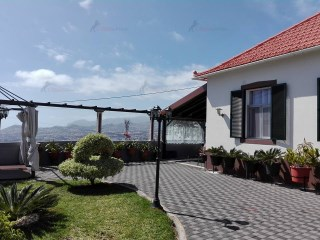Detached House › Funchal | 3 Bedrooms | 2WC