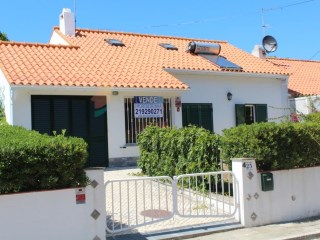 House › Sintra | 3 Bedrooms + 1 Interior Bedroom | 2WC