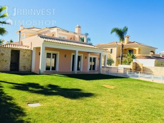 Absolutely amazing 6 Bedroom Villa in Vilamoura, Algarve | 4 Bedrooms + 2 Interior Bedrooms | 7WC