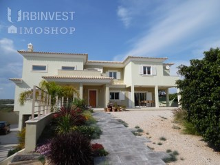4 bed rooms Villa  located 5 minutes from faro | 4 Bedrooms | 5WC