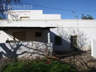 Country House to renovate located in Santa Barbara de Nexe, Faro | 3 Pièces + 1 Chambre intérieur | 2WC