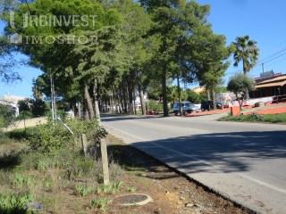 Plot of land on the road to Quarteira |