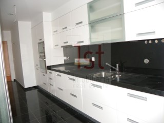 T2 again with 87, 5 m 2, Are DOM. Rana | 2 Bedrooms | 2WC
