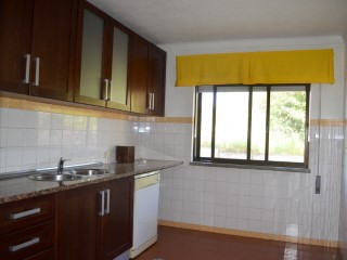 2 bedroom apartment excellent for investor, close to the Centre of Santarém, for sale | 2 Bedrooms | 1WC