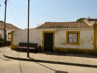 Villa to recover, Situated on Thursday next to Golegã, for sale |