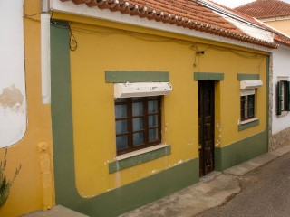 House 2 bedrooms with terrace, next to the Hospital in Santarém, for sale | 2 Bedrooms | 1WC