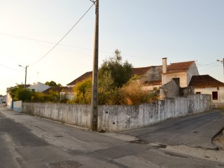Land with Pit, in Center of Abrã, For For sale |