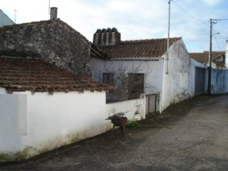 House 2 bedrooms with 2 Fronts, near Alcanede, for sale | 2 Bedrooms
