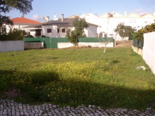 Lot with possibility of building detached villa of 2 floors, close to the Centre, for sale |