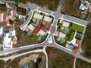9,800 m2 of land for allotment in Peniche |