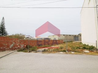 93m2 ground in Ferrel |