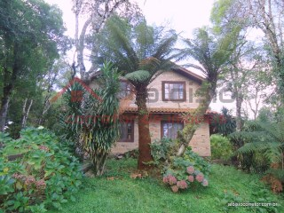Two-flat House › Gramado | 3 Bedrooms | 2WC