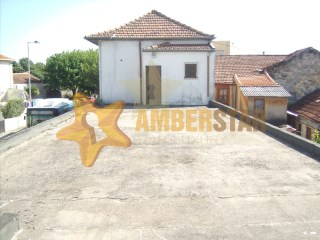 Semi-Detached House › Matosinhos | 4 Bedrooms | 4WC