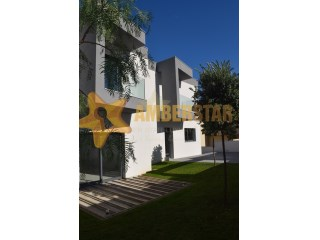 Detached House › Maia | 4 Bedrooms + 1 Interior Bedroom