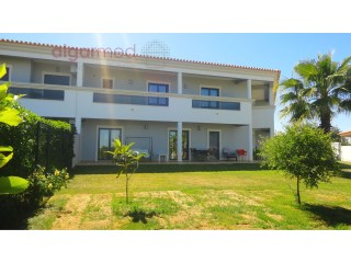 ALGARVE - Albufeira - Excellent 4 bedroom townhouse for sale in a private condominium just 800 meters from the beach. | 4 Bedrooms | 4WC