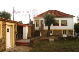 Santarém - Serra de Tomar - Rustic 3 bedroom house for sale, with garden | 3 Bedrooms | 2WC