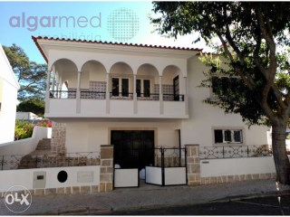 LISBON - CENTRE - Cascais - 3 bedroom villa for sale, fully renovated | 3 Bedrooms + 1 Interior Bedroom