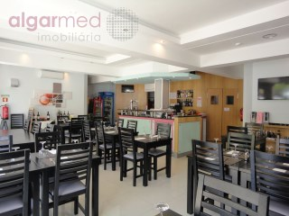 ALGARVE - Albufeira - NEW PRICE REDUCTION! Restaurant for business transfer, in downtown Albufeira, with an outdoor terrace - URGENT SALE! |