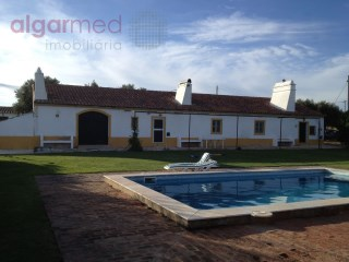 ALENTEJO - Estremoz - Farm for sale, in a traditional Alentejo hill (Monte Alentejano), on a plot with 14250 m² | 4 Bedrooms