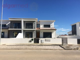 SILVER COAST - São Martinho do Porto - 4 Bedroom, semi-detached house for sale, with swimming pool and garage, near Alfeizerão | 4 Slaapkamers | 3WC