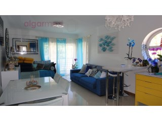 ALGARVE - Albufeira - 1+1 Bedroom Apartment for sale, RENOVATED, with private parking, 5 min walk to the beach | 1 Bedroom + 1 Interior Bedroom | 2WC