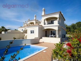 ALGARVE - Almancil - Luxurious 3+2 bedroom semi-detached house, for sale in a fantastic resort - GREAT OPPORTUNITY! | 3 Bedrooms + 2 Interior Bedrooms | 3WC