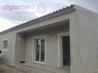 SILVER COAST - Óbidos - 2 Bedroom house for sale for sale, near the Bom Sucesso beach and the Óbidos Lagoon | 2 Bedrooms | 1WC
