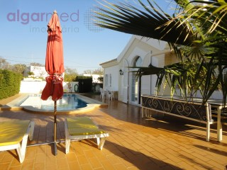 ALGARVE - Albufeira - 3 Bedroom ground floor Villa, with pool and gardens, for sale near Guia and the Algarve Shopping Center | 3 Slaapkamers | 3WC