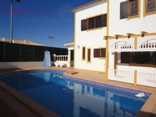 ALGARVE - Albufeira - 4 bedroom villa with pool, garden and garage, for sale in Guia | 4 Bedrooms