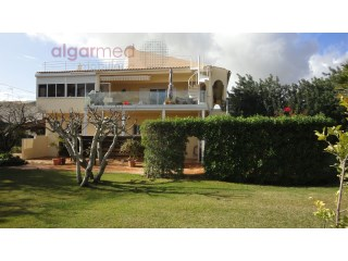 ALGARVE - Santa Bárbara de Nexe - Bed & Breakfast for sale, with it's own housing, gardens and swimming pool | 7 Slaapkamers