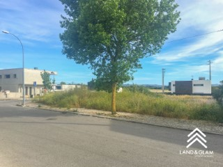 Lot of urban land with 304.05 m2 |